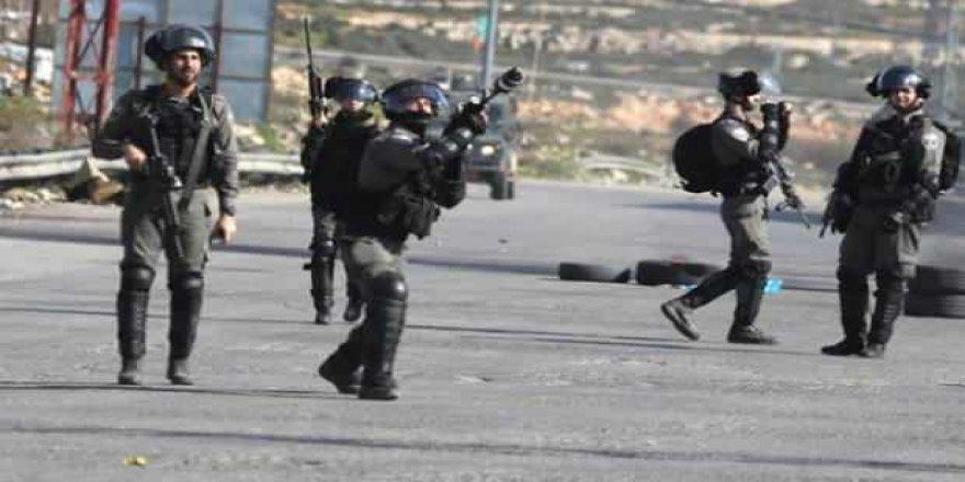 İşgalci İsrail askerleri Gazze sınırında 3 Filistinliyi şehit etti!