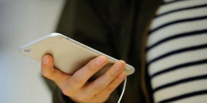 Koronavirüs Bilim Kurulu Üyesi: Cep telefonunu streç filmle sarın!
