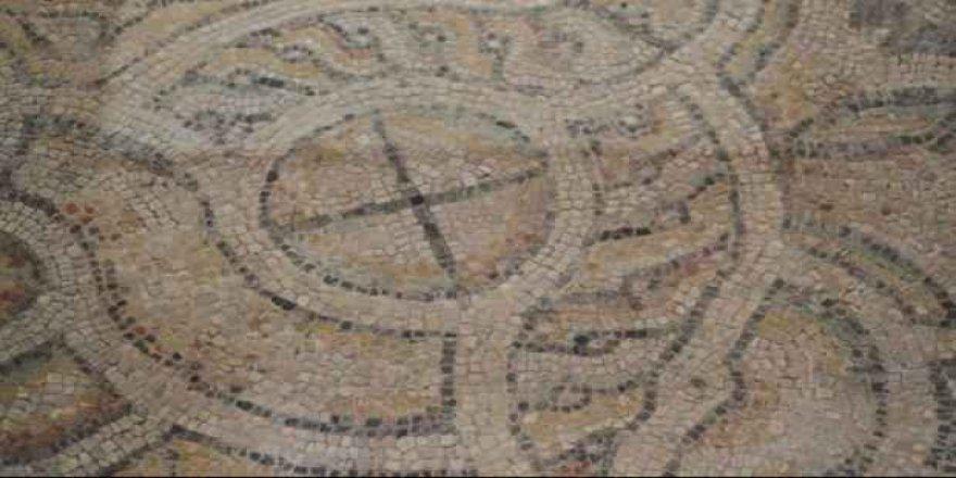 Zeytinburnu belediye binasının altında Roma dönemine ait mozaik bulundu