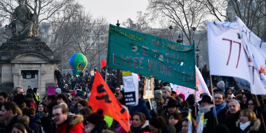 Fransa'da emeklilik reformuna karşı eylemler devam ediyor