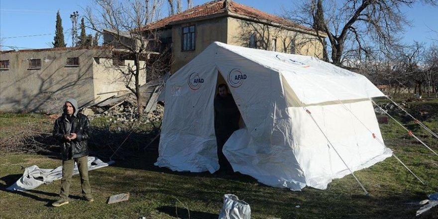 Depremden etkilenen Doğanyol ve Pütürge ilçelerinde 2 bin çadır kurulacak