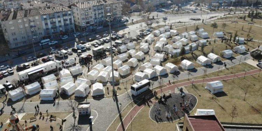 İşte Elazığ'daki çadır kent!