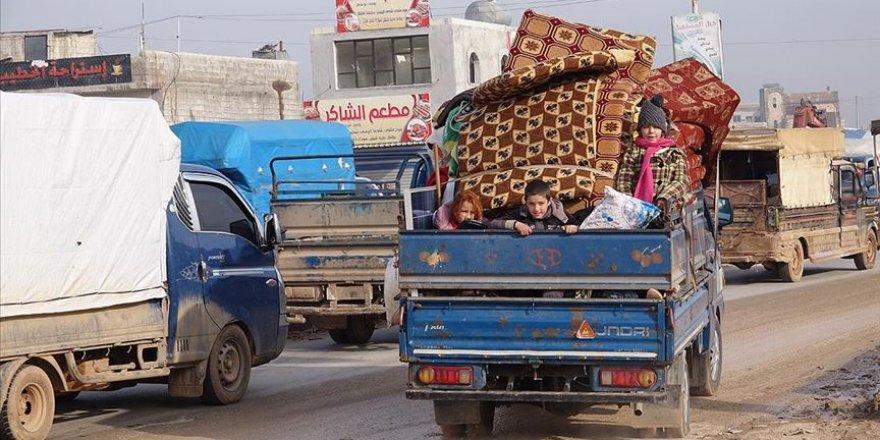 İdlib'de son 24 saatte 21 bin sivil daha göç etti