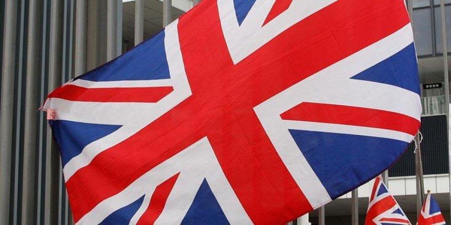 İngiltere'den koronavirüs hamlesi! 'Evden çıkmayın'