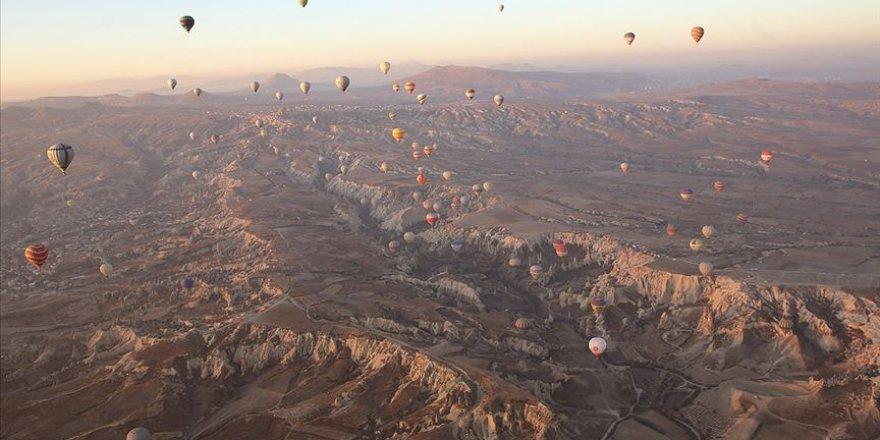 Kapadokya'yı geçen yıl 585 bin turist gökyüzünden izledi