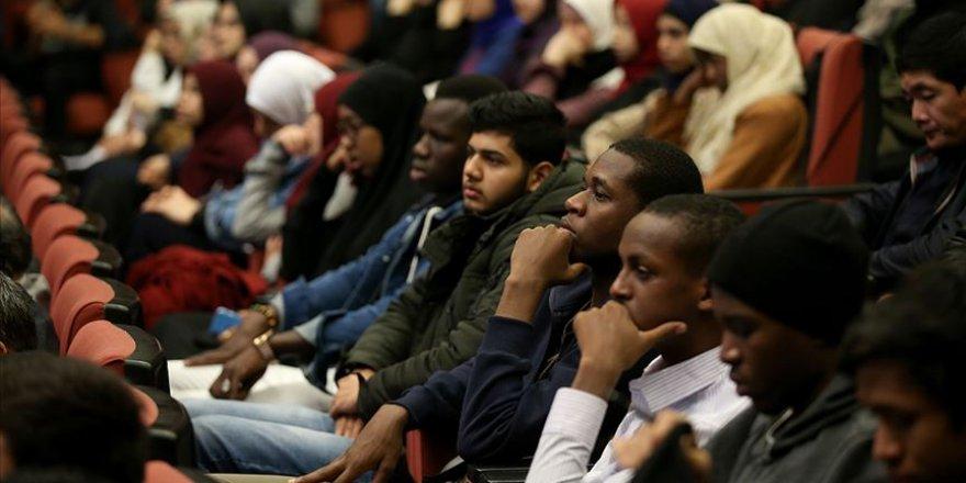 TDV'nin uluslararası öğrencilere yönelik burs başvuruları başlıyor
