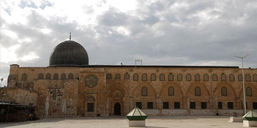 İsrail polisi bir süreliğine Mescid-i Aksa'nın kapılarını kapattı