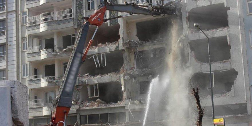 Malatya'da ağır hasarlı ev sayısı 5 bin 208'e yükseldi
