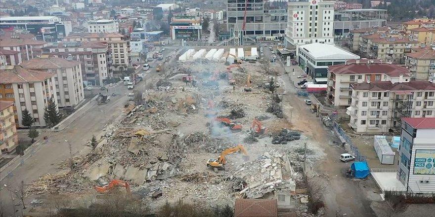 Elazığ'da enkaz kaldırma çalışmaları havadan görüntülendi