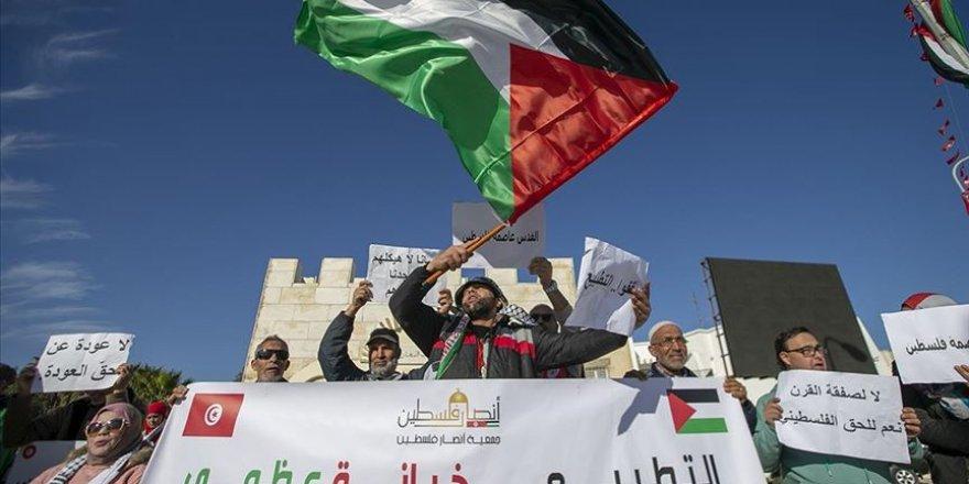 Tunus'ta ABD'nin sözde barış planı protesto edildi