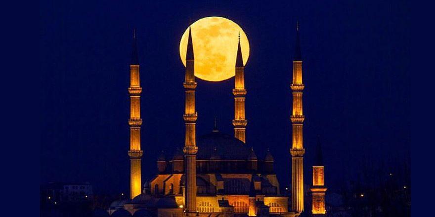 Süper Ay, Selimiye Camisi ile birlikte