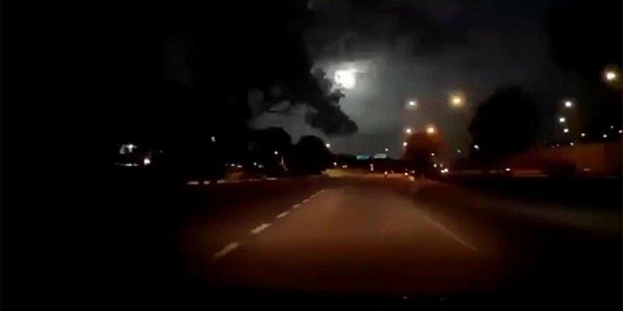 Malezya'nın bir kentine ateştopu meteor düştü