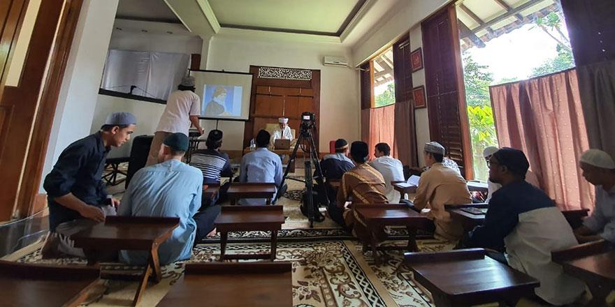 Endonezyalı gençlere Risale-i Nur ve Said Nursi'yi anlattık