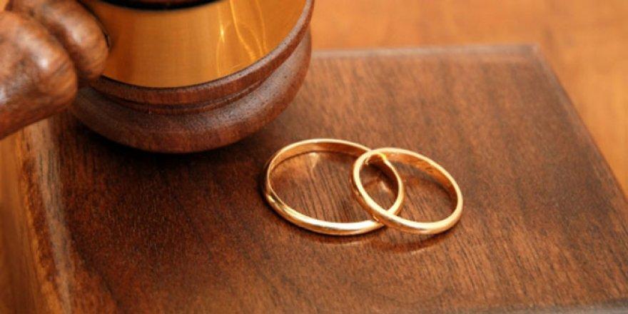 Boşanan anne çocuğuna soyadını verebilecek