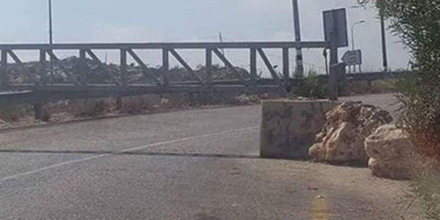 Siyonist terör çetesi, Filistin'de Sevâhira Çöllerine giden yolları kapattı