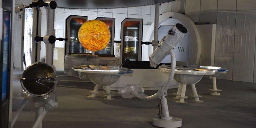 Uzay temalı eğitim üssü ziyaretçilerini ağırlamak için gün sayıyor