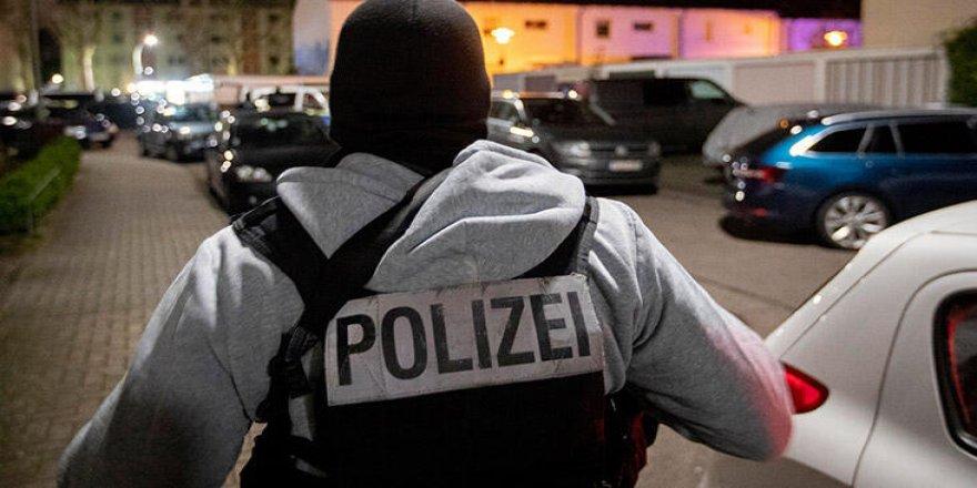 Alman polisi camilerde varlığını artıracak