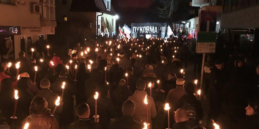 Bulgaristan'da ırkçılar topluma meydan okuyor