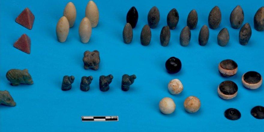 Höyükten çıkan tarihi 'oyun seti'nin eksik parçaları da bulundu