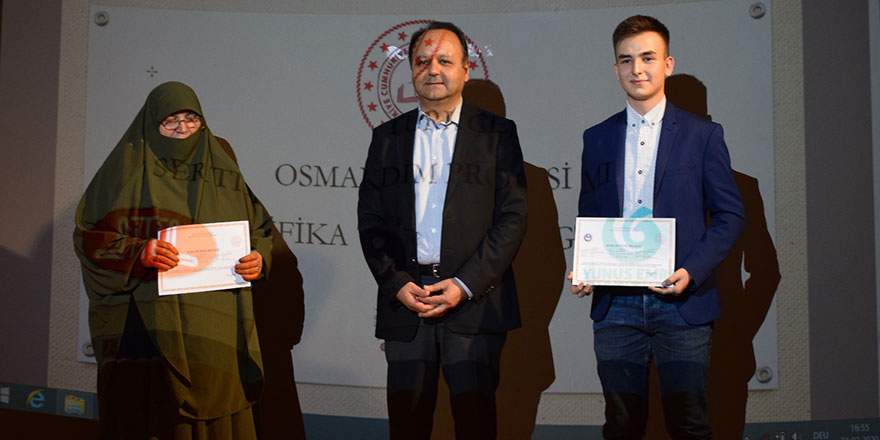 Almanya'da Osmanlıca öğrenenler sertifikalarını aldı