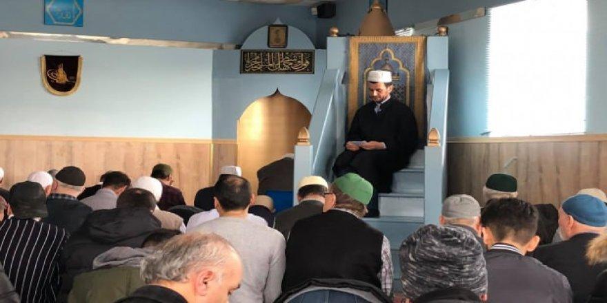 Kanada'da İdlib şehitleri için gıyabi cenaze namazı kılındı