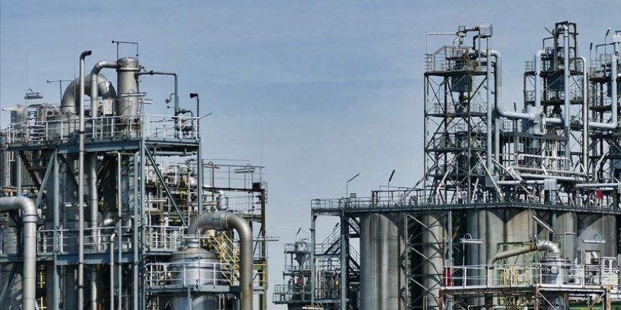 Petrol devlerinin karı yüzde 40 düştü