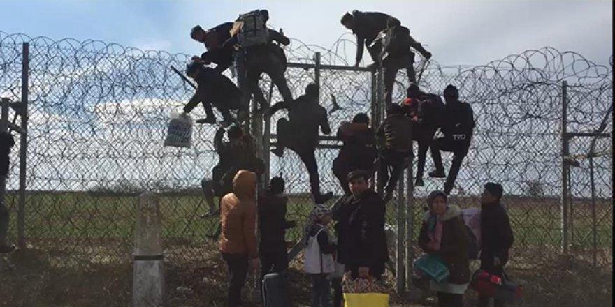 Göçmenlerin Yunanistan'a geçişleri devam ediyor