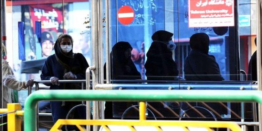 İran'da koronavirüsten iyileşen 94 ve 85 yaşlarındaki 2 hasta taburcu edildi