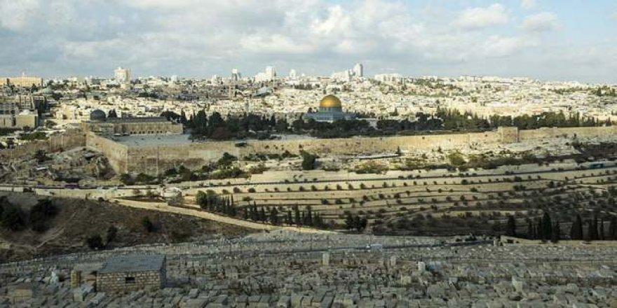 Filistin'den cami ve kiliseler için koronavirüs kararı