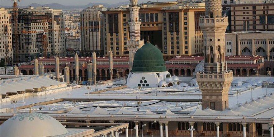 Riyad, Mekke ve Medine koronavirüs nedeniyle giriş çıkışlara kapatılıyor