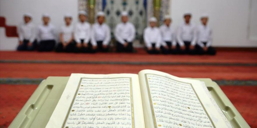 Kur'an kurslarında 3 Mayıs'a kadar eğitime ara verildi