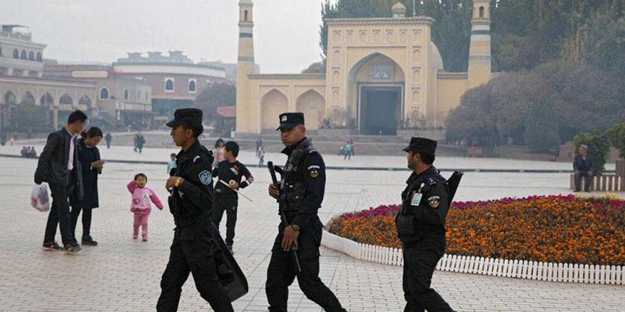 Doğu Türkistan'da Çin, koronavirüsten daha zararlı!