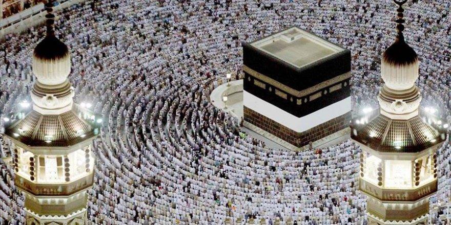 Suudi Arabistan'dan Hac açıklaması: Bekleyin