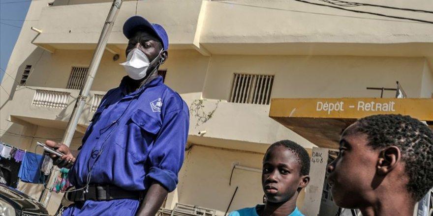 Afrika'da Kovid-19 vakaları 6 bine yaklaştı