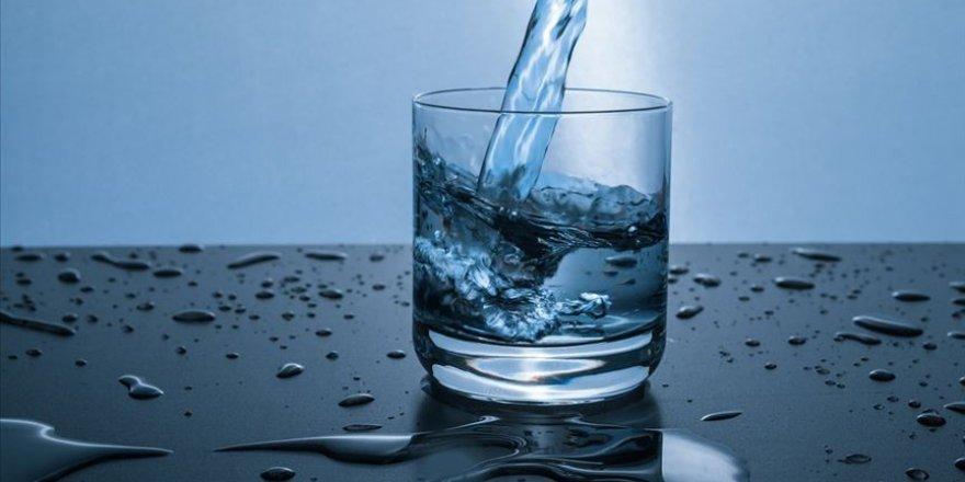 İhtiyarlara 'susamasanız bile bol bol su için' tavsiyesi