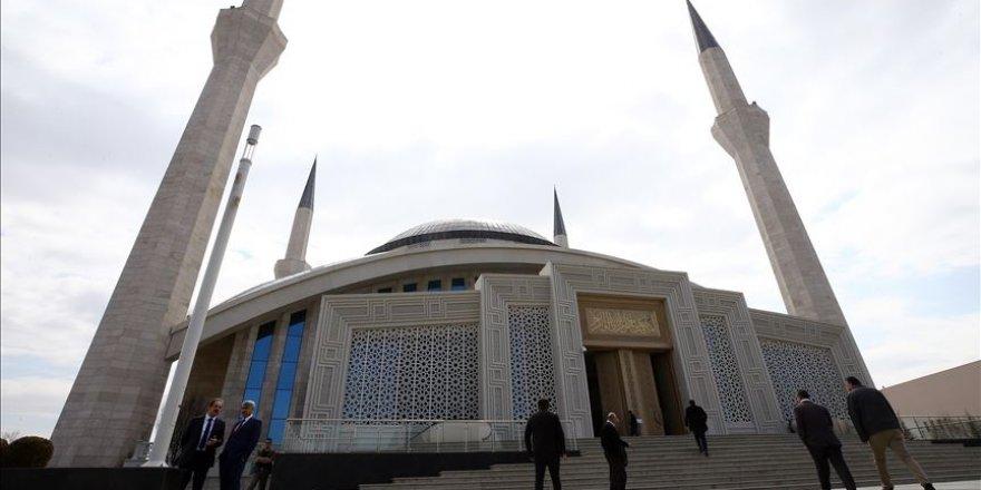 Diyanetten cuma namazı açıklaması: Her hafta bir camide