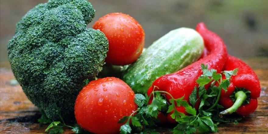 Bayramda beslenme düzeninizi koruyun