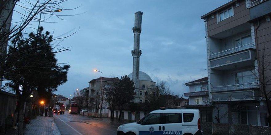 Tekirdağ'da şiddetli rüzgar nedeniyle cami minaresi zarar gördü