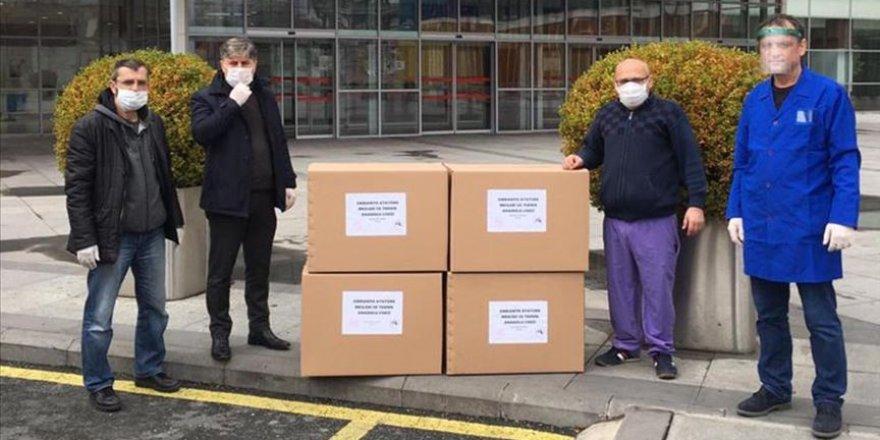 Öğretmenlerden sağlık çalışanlarına maske desteği