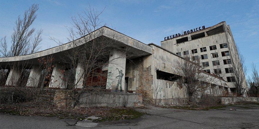 Çernobil'de orman yangını radyasyon seviyesini 16 kat arttırdı