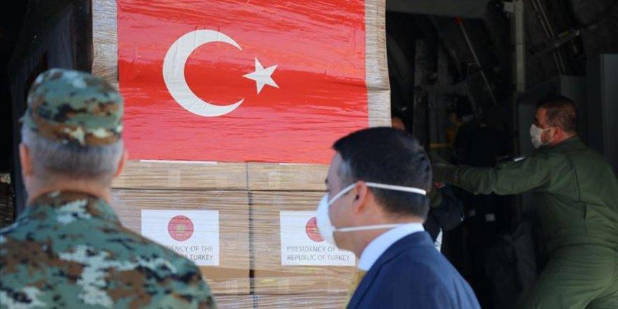 Türkiye'nin gönderdiği tıbbi yardım malzemeleri Kuzey Makedonya'ya ulaştı