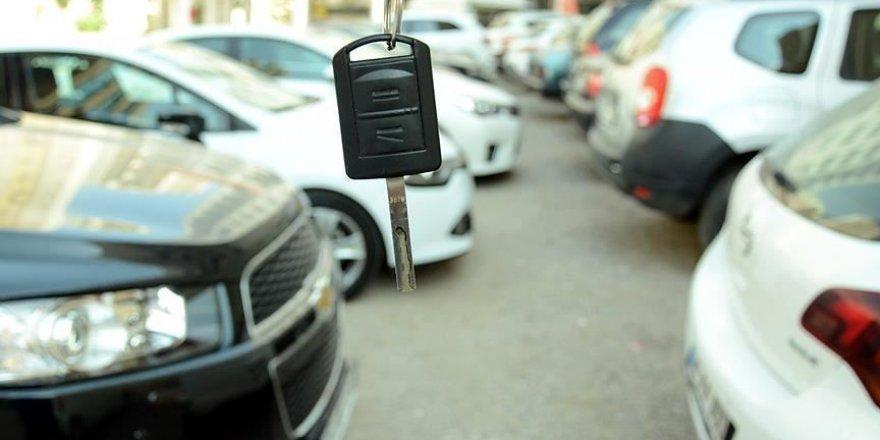 İkinci el araç satışları martta frene bastı