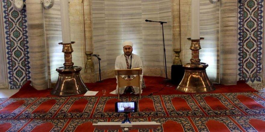 Selimiye'de cuma vaazı: Bugün dua, tefekkür ve tövbe etme zamanıdır