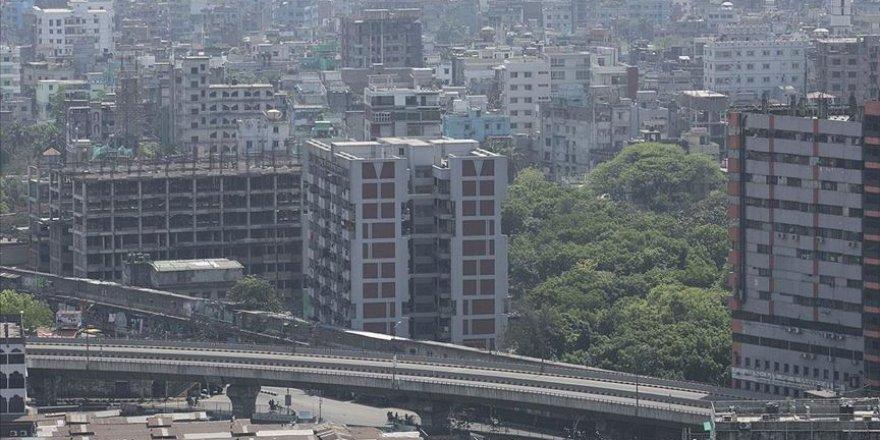 Bangladeş'te Kovid-19 nedeniyle ulaşımın kısıtlanması milyonlarca kişiyi işsiz bıraktı