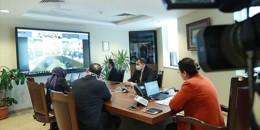Sağlık Bakanlığı yetkilileri Çinli uzmanlarla video konferansla toplantı yaptı