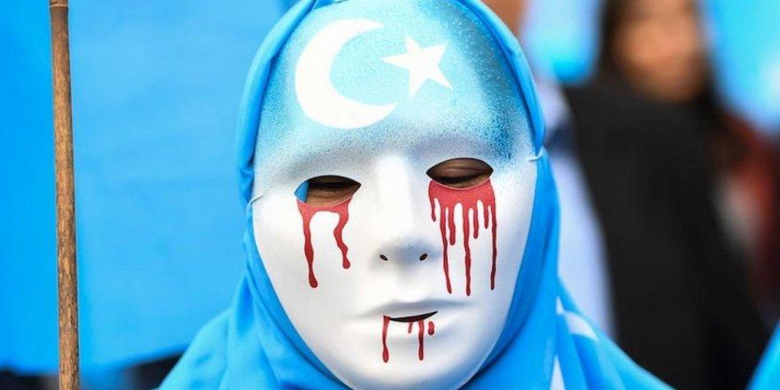 Çin Doğu Türkistanlı çocuklara acımasızca işkence ediyor