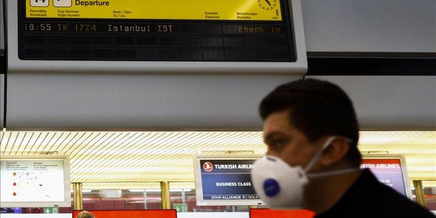 İstanbul'daki havalimanlarında yoğunluk yaşanıyor