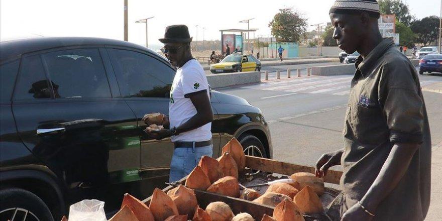 Senegal'de sokağa çıkma yasağı ve acil durum kaldırılıyor