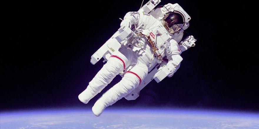 ABD'li astronot Rubins oyunu uzaydan kullandı