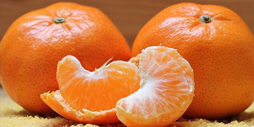 Kovid-19 hastaları yüksek doz C vitamini ile daha hızlı iyileşebiliyor